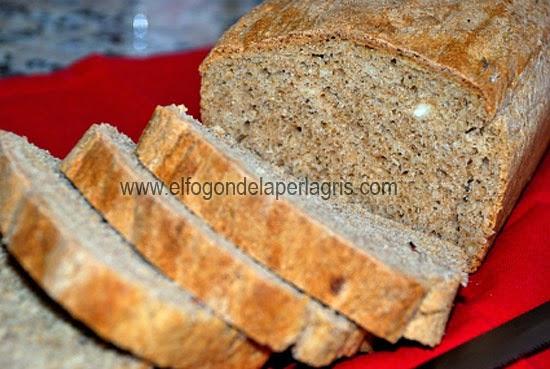 Pan integral con almendras