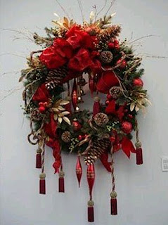 Christmas decoration, Crowns
