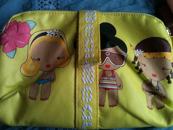 Mi Cosmetiquero (my makeup bag)...para un día laboral muy largo