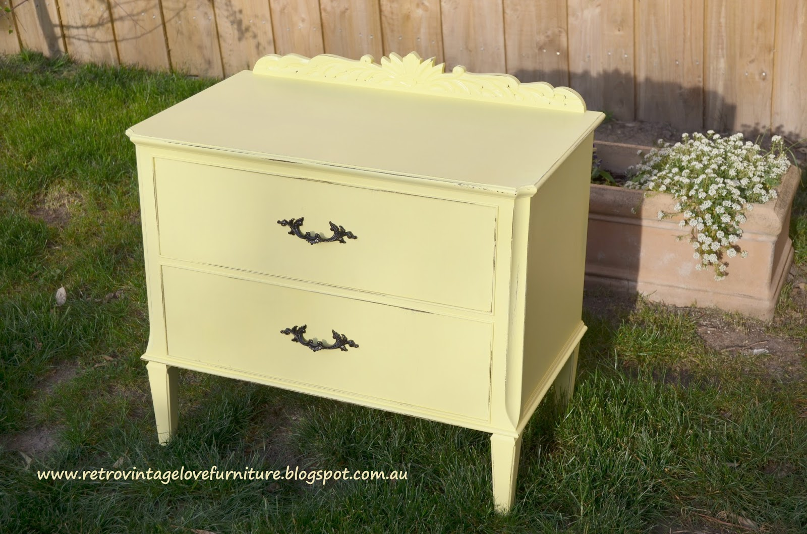 Retro Vintage Love: Vintage Yellow Distressed Painted Bedside Tables