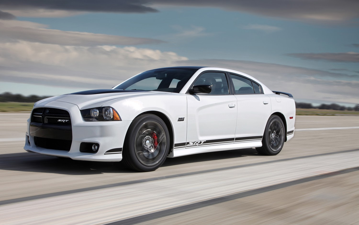 Foto Mobil Dodge Charger SRT 2014 | HD Wallpaper