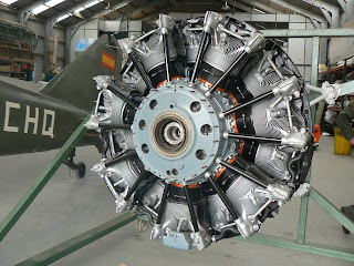 Motor radial Pratt & Whitney R-1830 Twin Wasp.