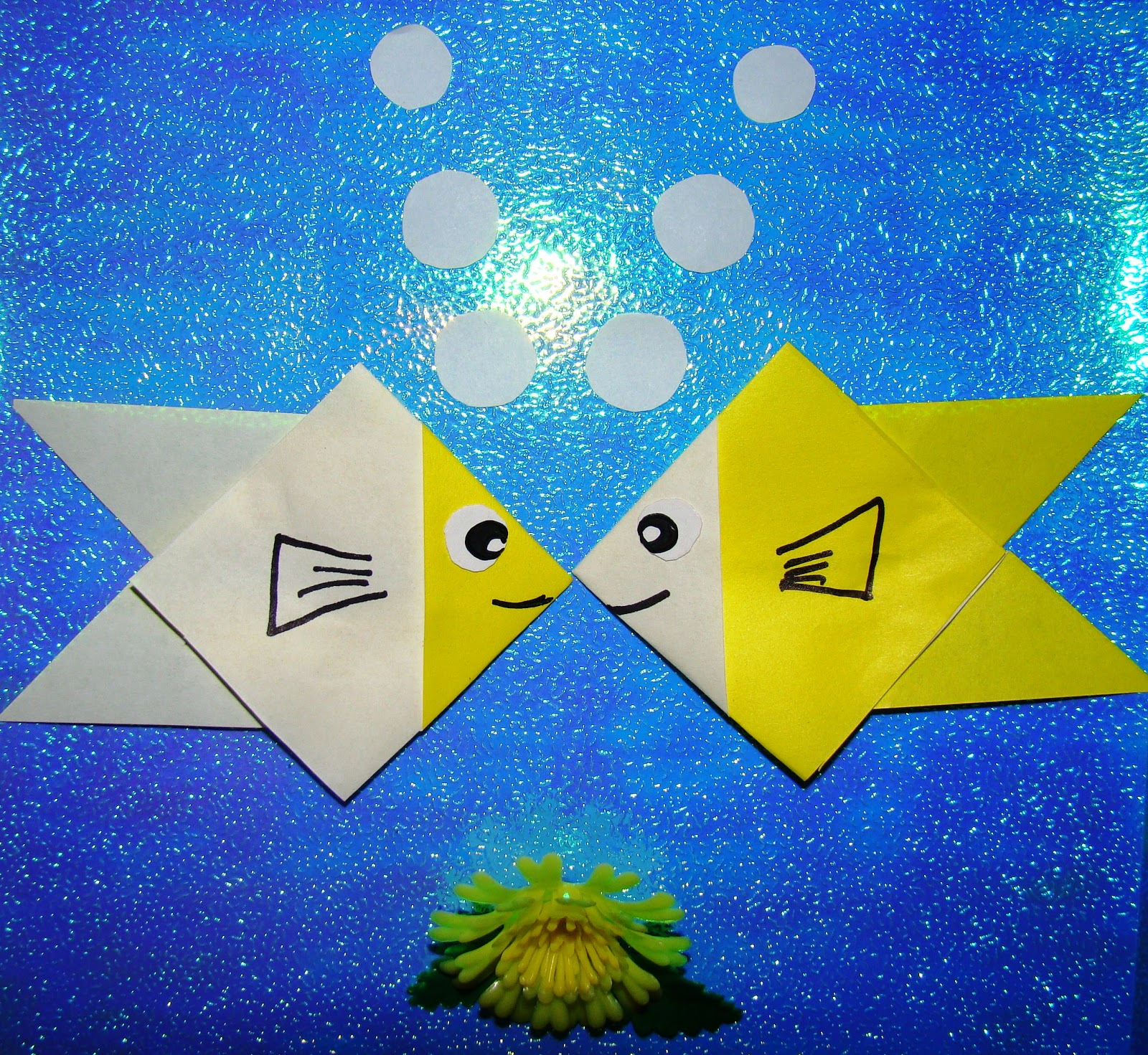 Origami maniacs easy origami fish for little kids easy origami fish for little kids jeuxipadfo Images