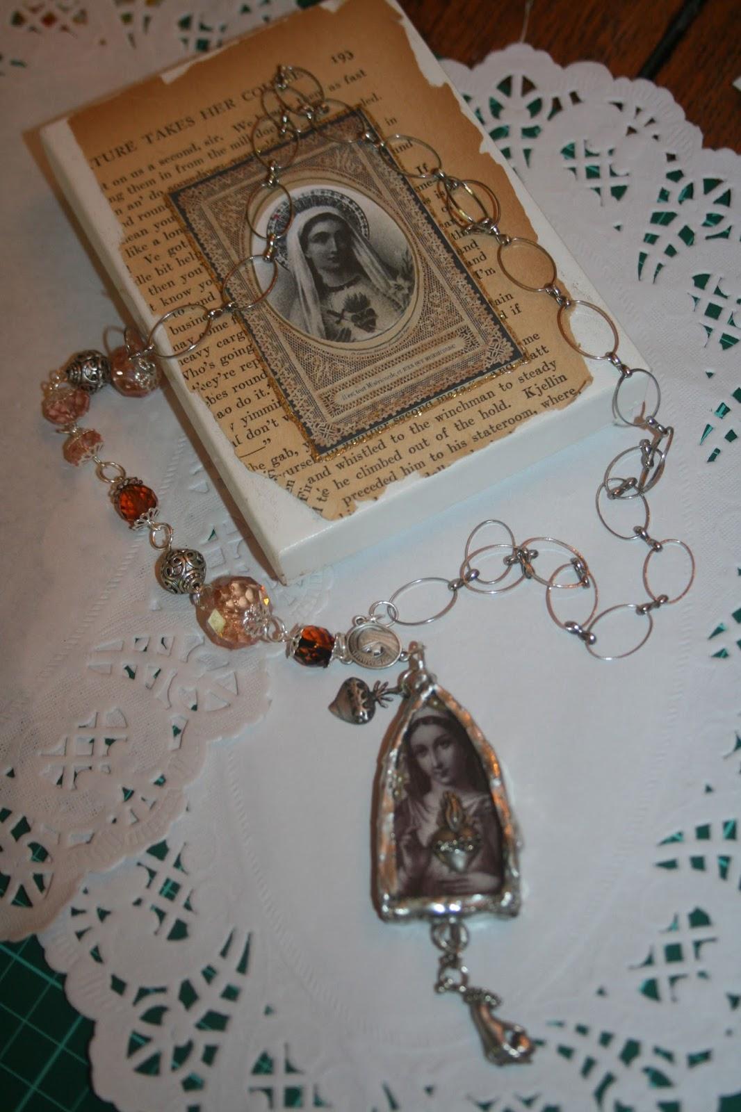 the french madonna sacr coeur de marie wearable shrine. Black Bedroom Furniture Sets. Home Design Ideas