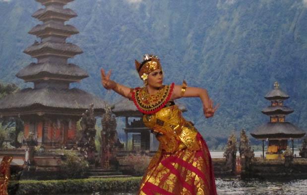 Contoh Tari Tunggal Jawa Barat