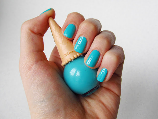 passing fancy turquoise nails