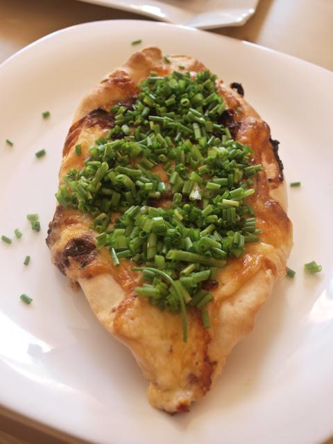 chaczapuri gruzińskie z serem przepis