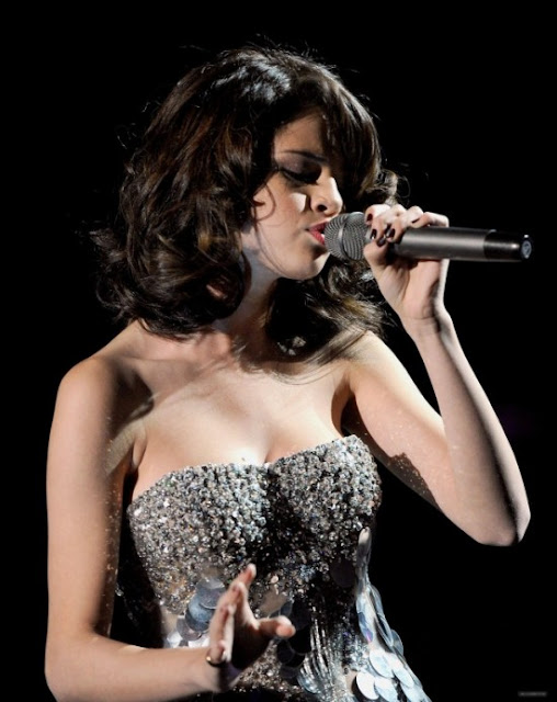 selena gomez hot pics 2010. 2011 Selena Gomez Hot