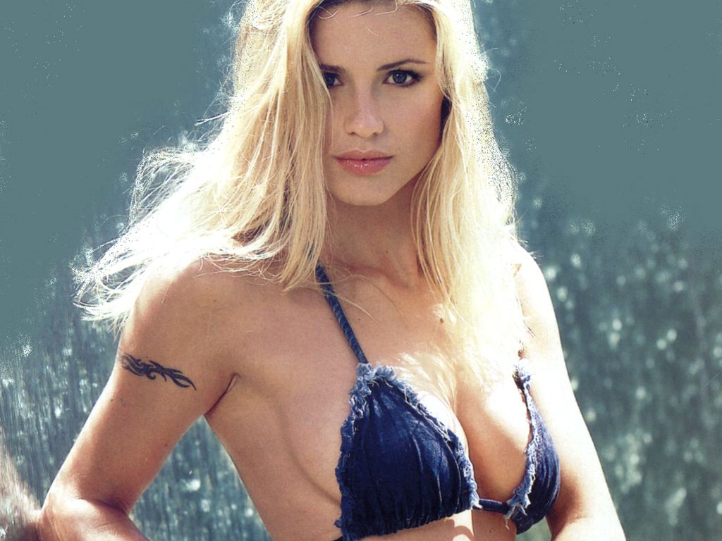 Boobs Cleavage Michelle Hunziker naked photo 2017