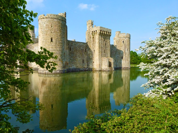 Bodiam Castle, moated, medieval, romantic, Sussex