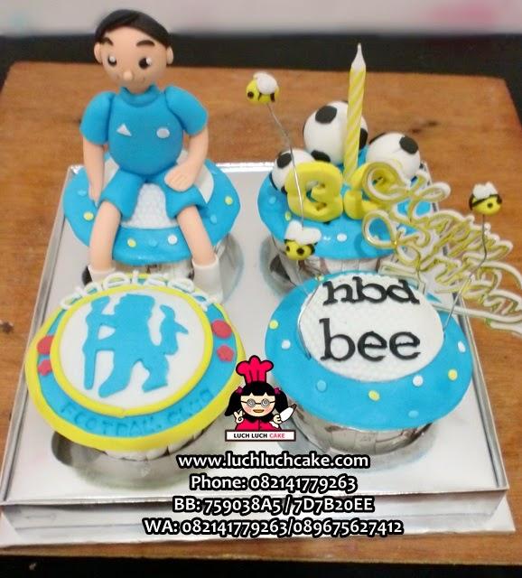 Cupcake Ulang Tahun Tema Chelsea dan Lebah