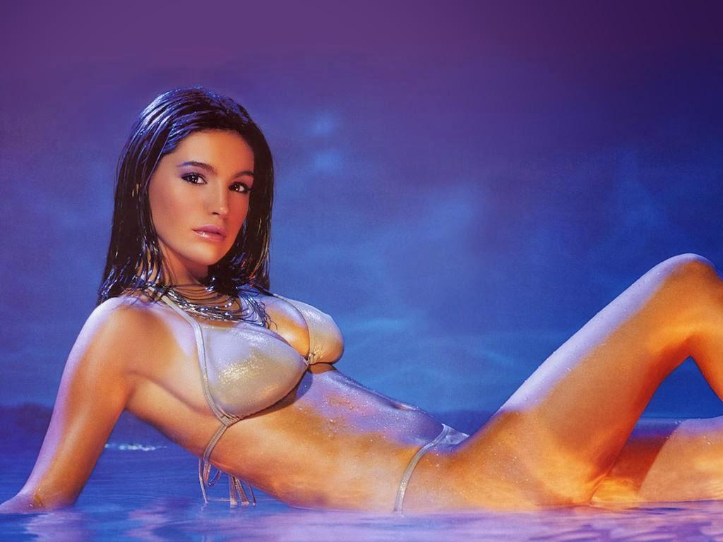 Kelly Brook Hot Model Trend Bikini Body