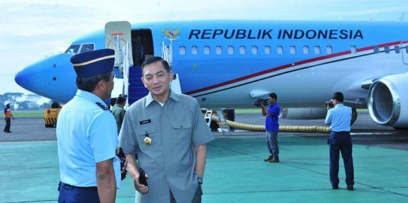 Wamenhan dan pesawat kepresidenan