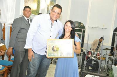 Esdras Campos e Cantora Francielle Miranda