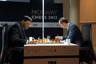 Échecs en Norvège : Viswanathan Anand (2783) 1-0 Veselin Topalov (2793) © Site officiel