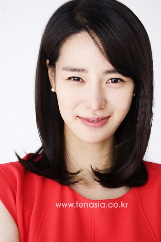Ji-Yeon Lim Nude Photos 17