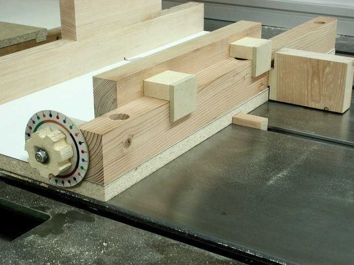 The Sorted Details: Yet Another Box Joint Jig - Free Plan