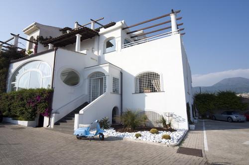 New home designs latest italian villas designs for Italian villa architecture