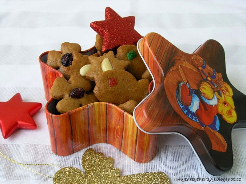 vanocni pernicky / gingerbread cookies