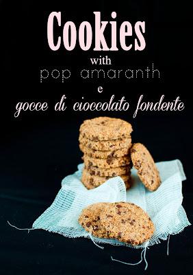 cookies con pop amaranth e gocce di cioccolato fondente