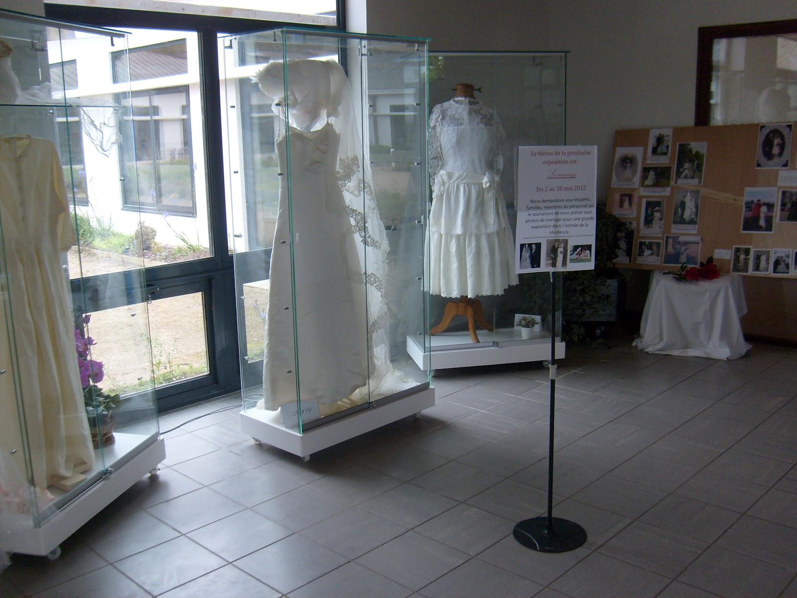 news de la maison du telhuet exposition sur le mariage. Black Bedroom Furniture Sets. Home Design Ideas