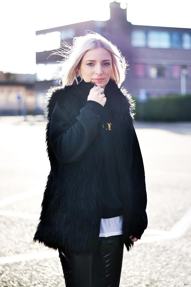 Faux fur gilet, jacket, brian lichtenberg, sweatshirt, meow meow, outfit, fashionblogger