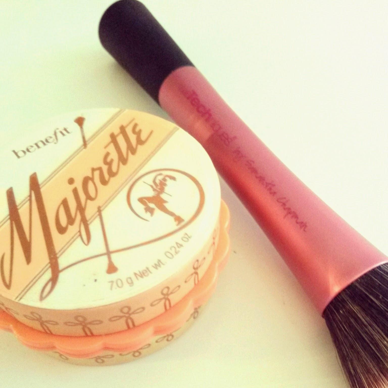Apply Majorette with stippling brush