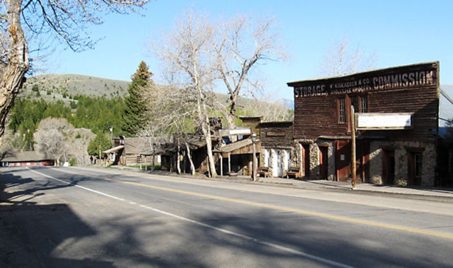 Top 10 ghost towns in america damn cool pictures for Abandoned neighborhoods in america