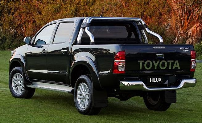 Toyota apresenta nova Hilux 2012