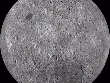 Brillante, redonda, simétrica; si, erers tú, la misma luna llena.