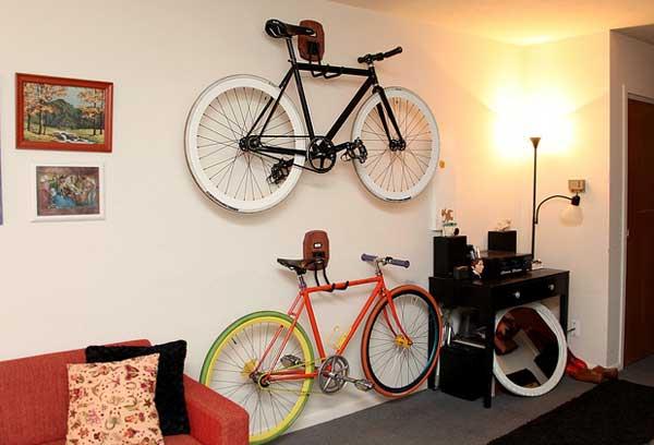 27 ideias de design para acomodar as bicicletas pela casa