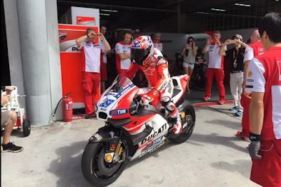 Lima Tahun Berpisah, Akhirnya Stoner Kembali Tunggangi Ducati