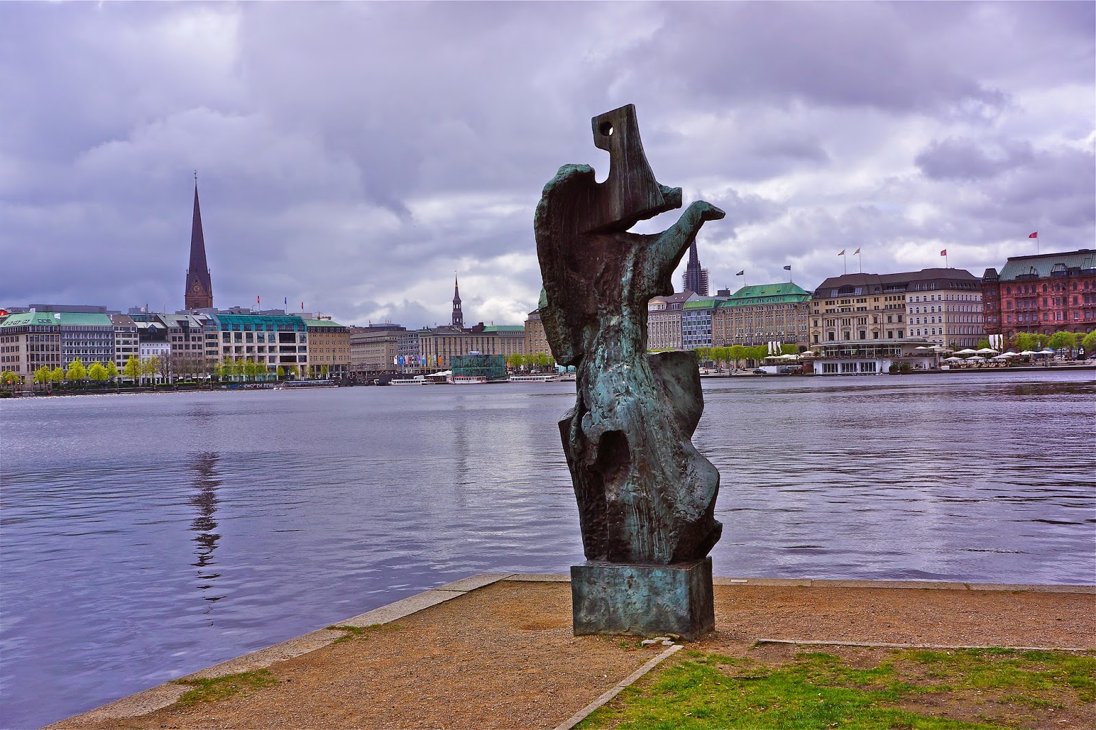 Picture of lake Alster in Hamburg, Germany.
