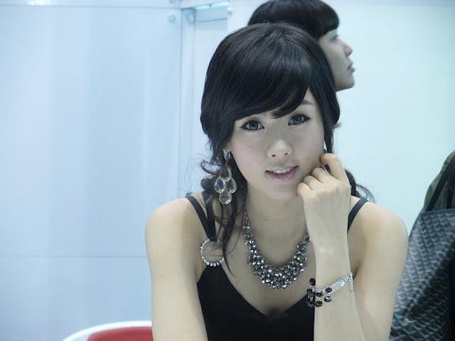 Hwang Mi Hee at KES 2011