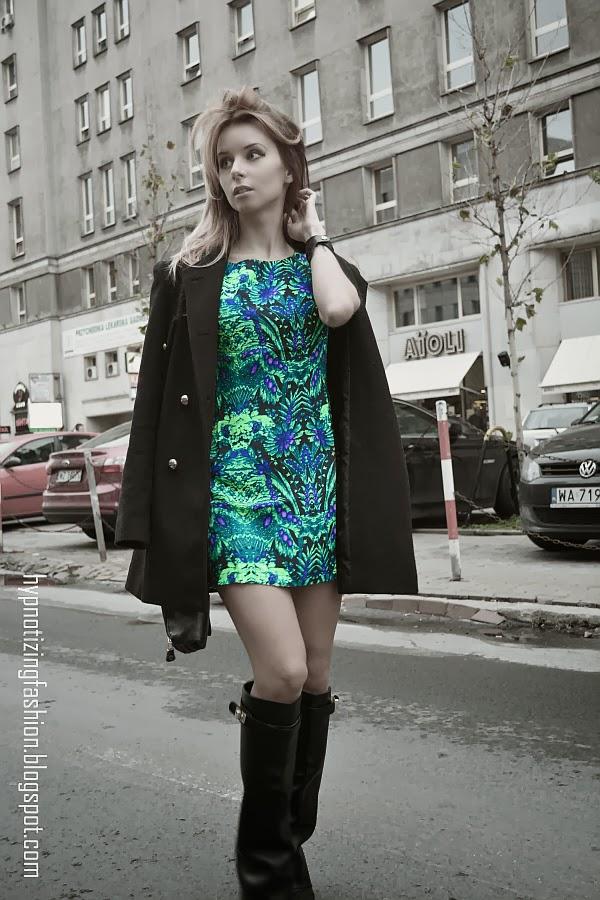 zielona sukienka stylizacje