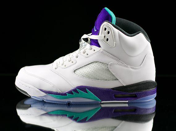 """Previous """"Grape"""" vs. """"Black Grape"""" comparisons resulted in our readers  choosing the OG over the newer Retro version 7b2ecdf890"""