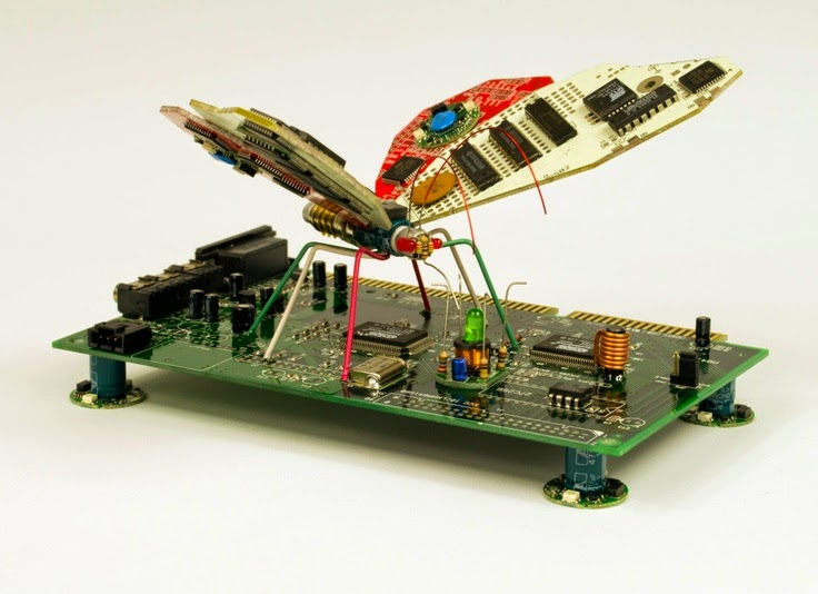 18-Insect-Steven-Rodrig-Upcycle-PCB-Sculptures-from-used-Electronics-www-designstack-co