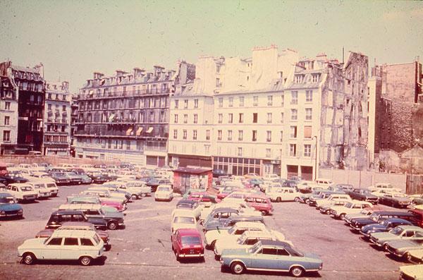 Paris beaubourg 1977 construction du centre pompidou for Ministre interieur 1960