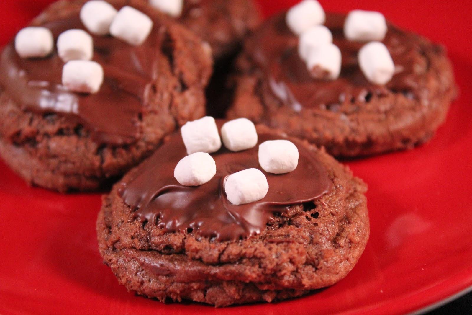 Delicious Dishings: Mini Hot Cocoa Cookies