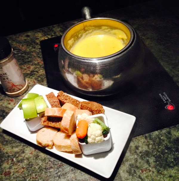 The Melting Pot - Cheese Fondue