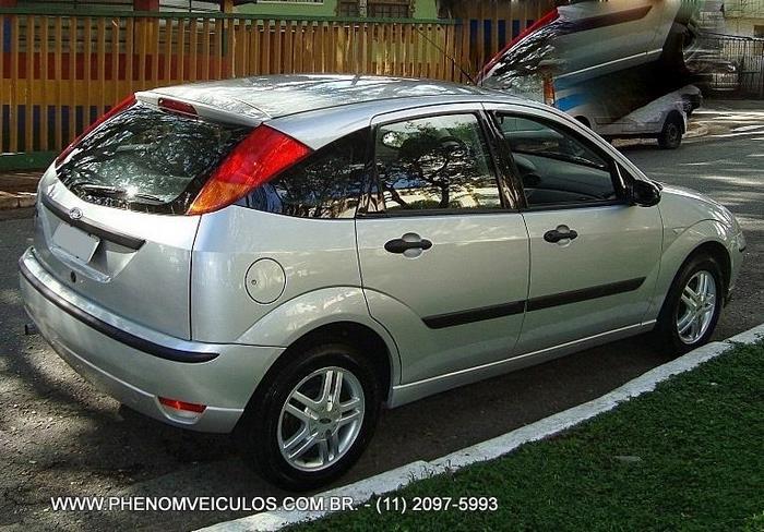 Ford Focus 1.6 GLX 2006 - prata