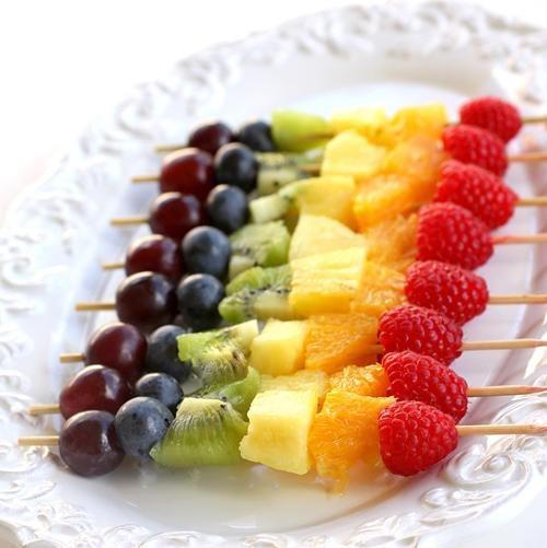шашлычки, шашлыки, украшения стола, радуга, фрукты, ягоды