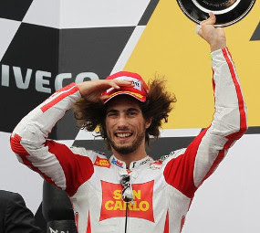 Marco Simoncelli crash Died on MotoGP Sepang Malaysia 2011
