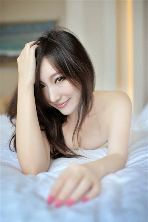 Fu Mei Mei 傅美美 - best shots in the bed