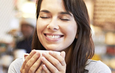 8 REASONS WHY COFFEE MAKES MORE PEOPLE HAPPY
