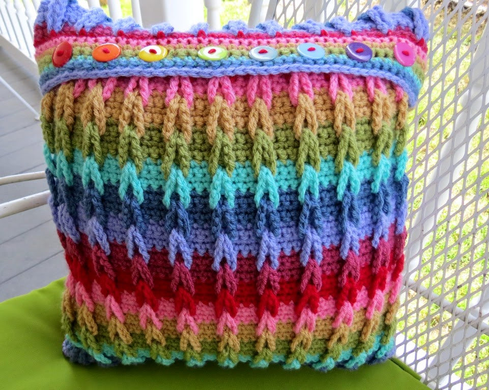 Crocheting Loops : Sweet Bee Buzzings: Crochet Tutorial: Interlocking Loops