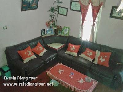 ruang keluarga homestay dieng