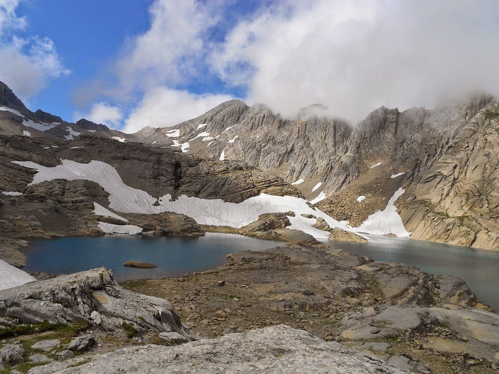 Lago Marboré en el Pirineo Aragonés