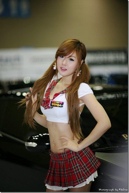spg mobil asal korea yang super imut   pas uniknya pas