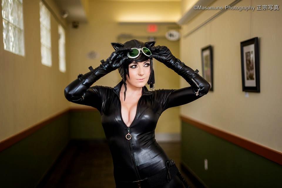 Jessica Nigri cosplays de Catwoman
